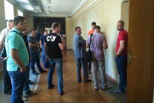 """СБУ пришла с обысками в мэрию Запорожья по подозрению в """"сливе"""" данных боевикам"""