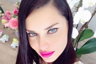 Адриана Лима получила от возлюбленного Шакиры подарок