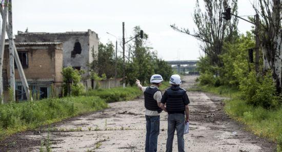 Мешканці окупованого села на Донбасі вимагають звільнити їх від бойовиків