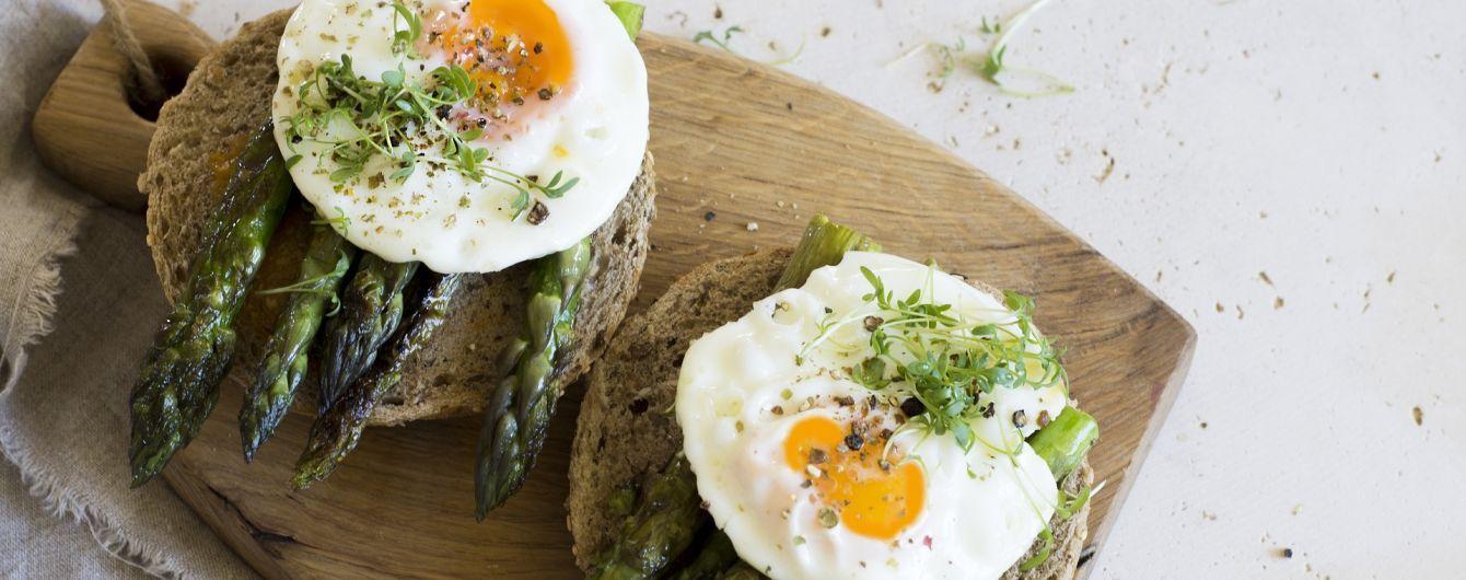 Не мешают худеть и укрепляют мышцы: ученые развенчали мифы о яйцах