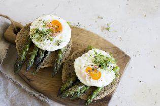 Не заважають худнути й зміцнюють м'язи: вчені розвінчали міфи про яйця