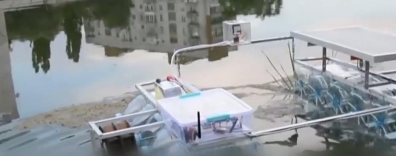 Диво техніки: 17-річний українець створив справжнього робота для збору річкового сміття