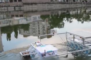 Чудо техники: 17-летний украинец создал настоящего робота для сбора речного мусора