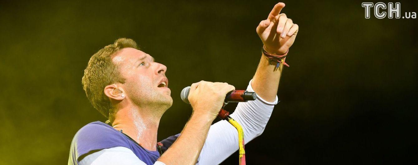 Coldplay вшанували пам'ять лідера Linkin Park Беннінґтона, виконавши його хіт