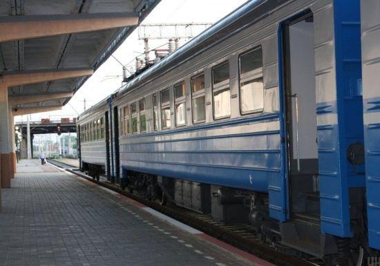 На Харківщині парубка вдарило струмом на даху потяга