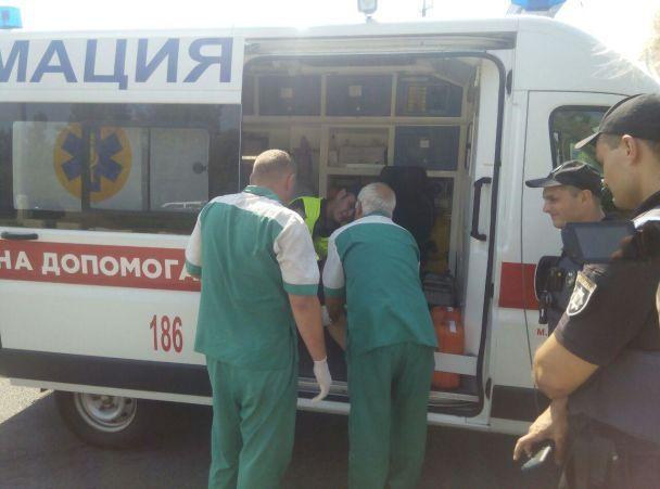 ВДнепре автомобиль сбил полицейского
