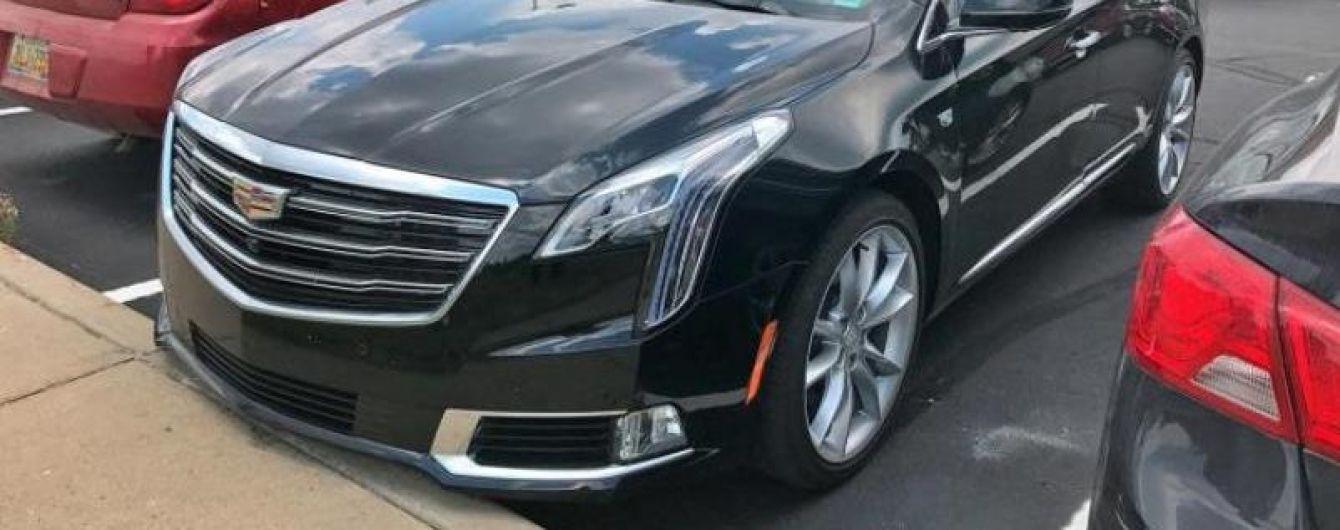 """В Сети появились """"живые"""" фото обновленного седана Cadillac XTS"""