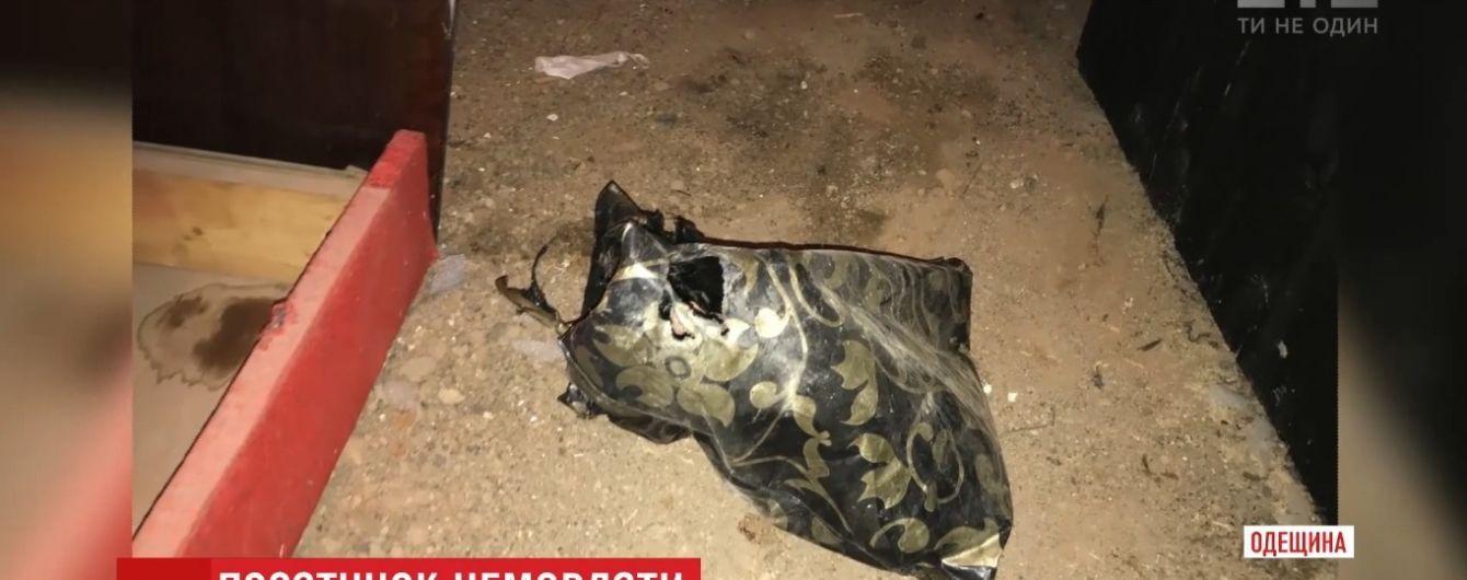 Стан важкий, прогноз несприятливий: медики розповіли про знайдене в пакеті на Одещині немовлятко