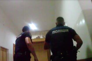 Поліція опублікувала відео визволення десятків заручників із психлікарні у Львові
