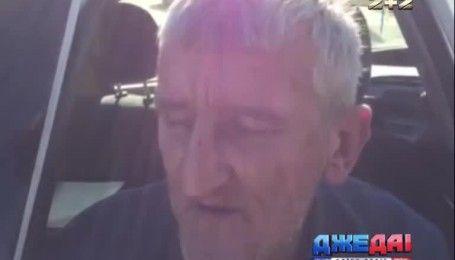 В Киеве водитель снес электроопору