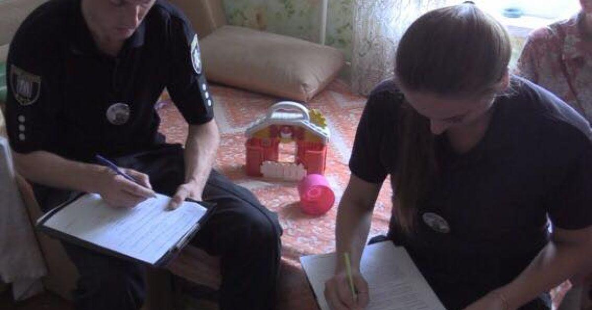 Трагедія уКиєві: з вікна випала 7-річна дівчинка