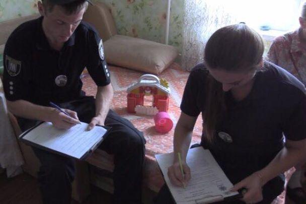 В Киеве 3-летний ребенок выпал из окна 16 этажа