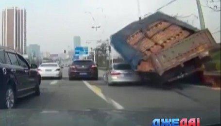 ДТП с дорог мира - ДжеДАИ за 15 марта 2017 года