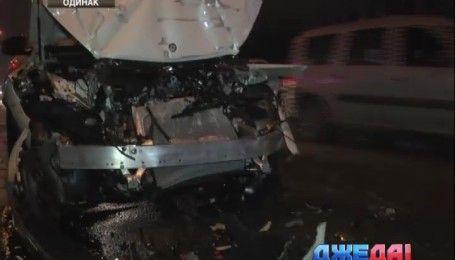 На Харьковском шоссе водитель Subaru устроила ДТП