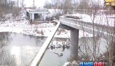 Буковинские чиновники уже шесть лет игнорируют ремонт разрушенного моста в Сторожинце