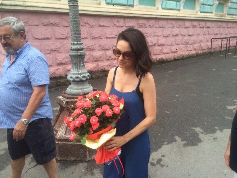 Міла Куніс та Ештон Кутчер відвідали Чернівці _4