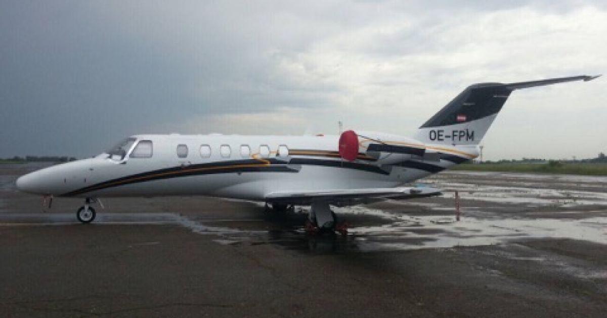 Самолет, которым Кунис и Кутчер прилетели в Черновцы @ ИА АСС