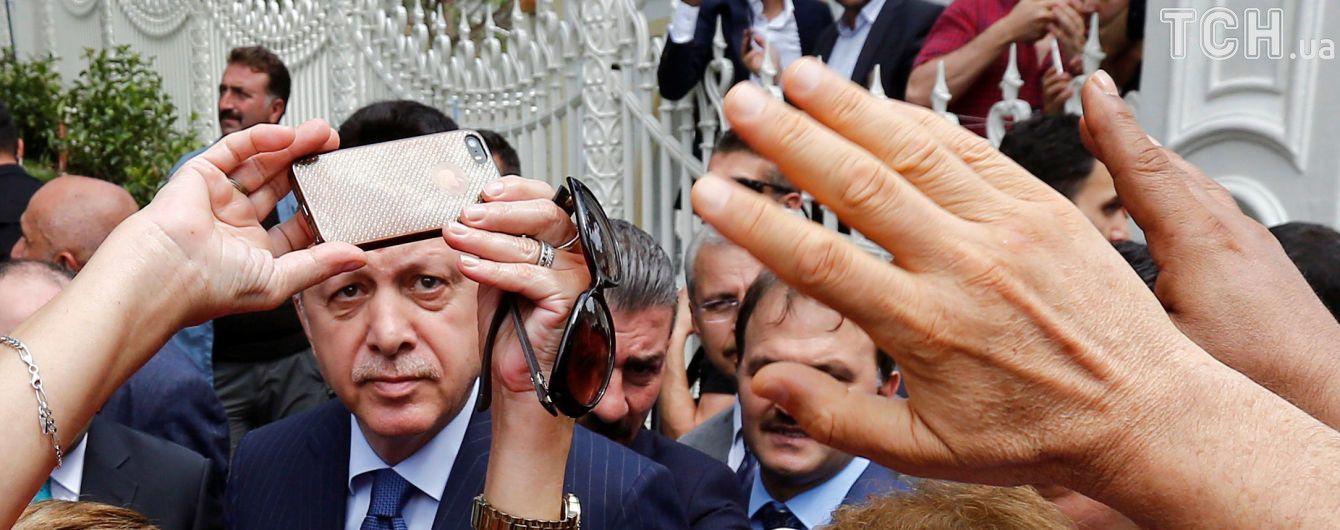 В Турции введут дресс-код для подозреваемых мятежников - Эрдоган