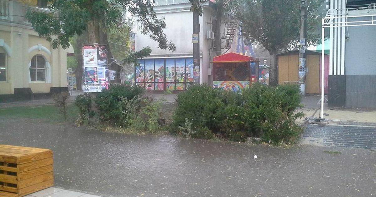 Негода в Скадовську на Херсонщині @ Олександр Власов / Facebook