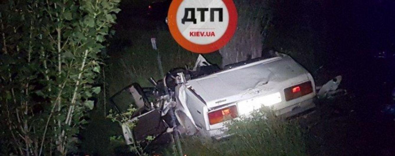 """Под Киевом произошло смертельное лобовое столкновение """"ВАЗа"""" и Opel"""