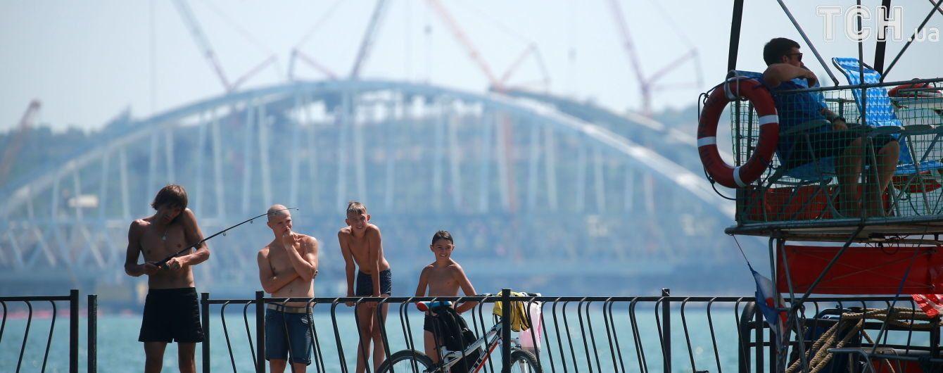 Політичний тиск і загроза українським портам. Які наслідки будівництва Керченського мосту