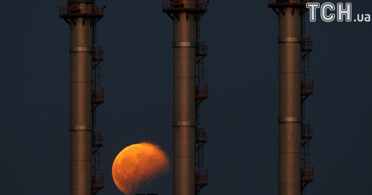 Місячне затемнення, яке спостерігали на Мальті. @ Reuters