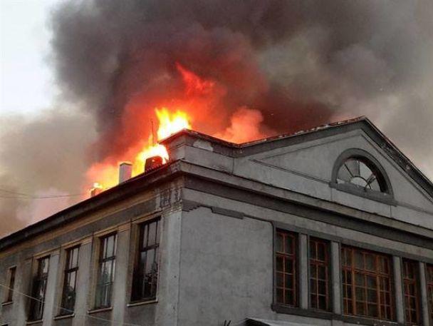 На Донбассе вспыхнул пожар в кинотеатре