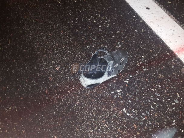 В Киеве иномарка сбила насмерть водителя троллейбуса, который поправлял штангу