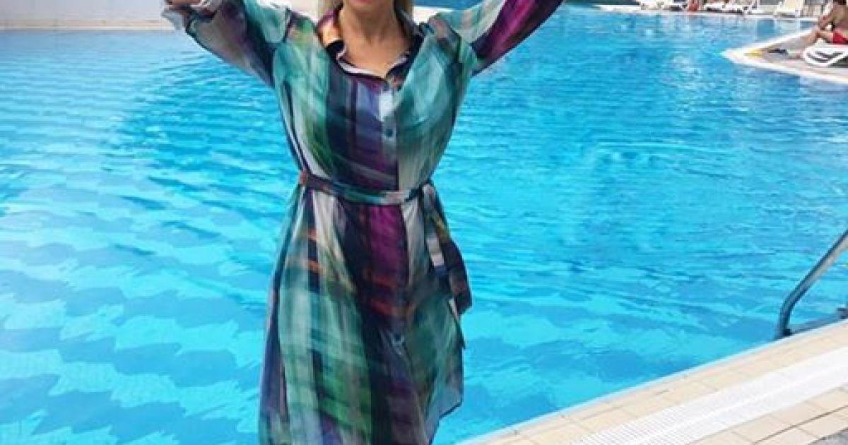 Анфіса Чехова замилувала юзерів світлинами з відпочинку @ instagram.com/achekhova