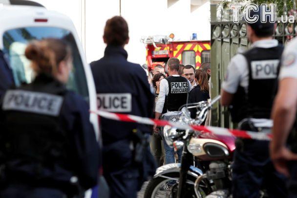 Наїзд вантажівки нагрупу військових під Парижем назвали терактом