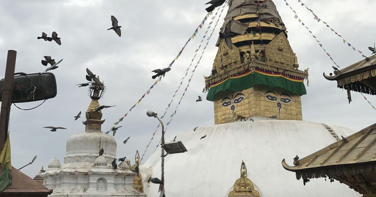 Храм Сваямбунатх в Катманду, более известный как Храм Обезьян. @ visualhunt.com