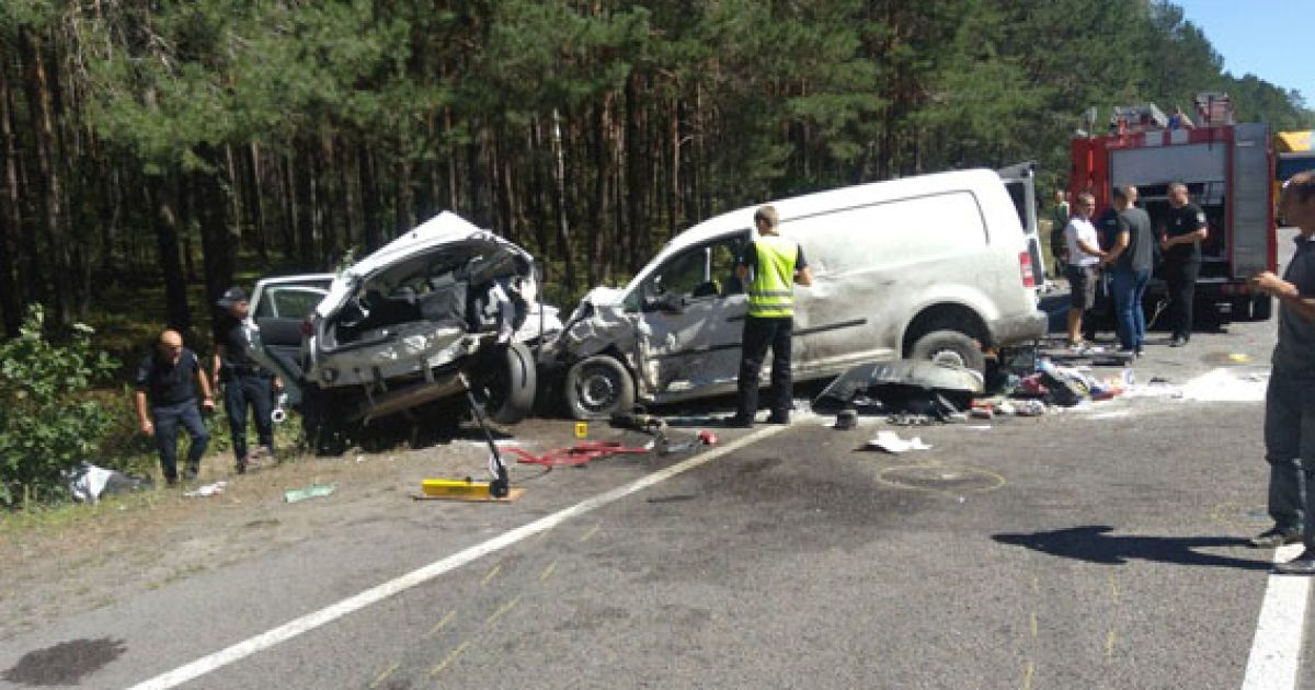 Фото с места смертельной аварии @ ГУ Нацполиции в Ровенской области