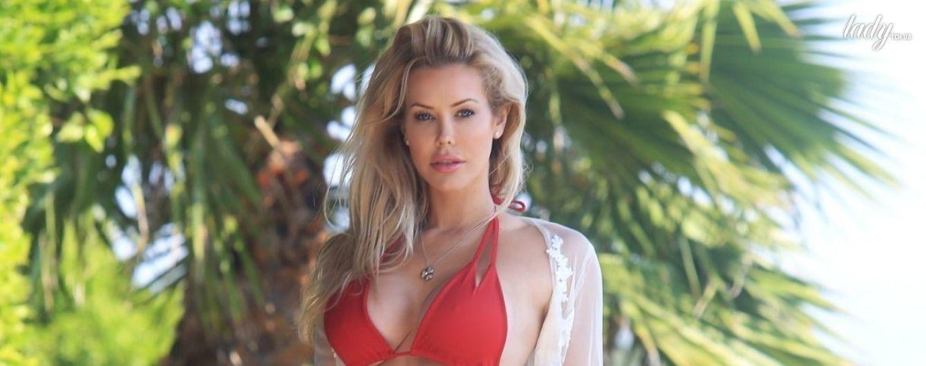 30-летняя модель Playboy в бикини сверкнула сексуальными ягодицами
