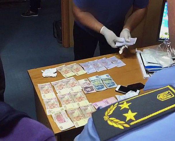 На Закарпатье задержали таможенников-взяточников с иностранными паспортами