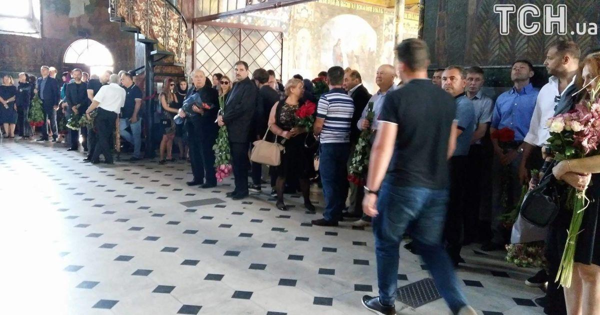 у Лаврі прощаються з екс-депутаткою Іриною Бережною