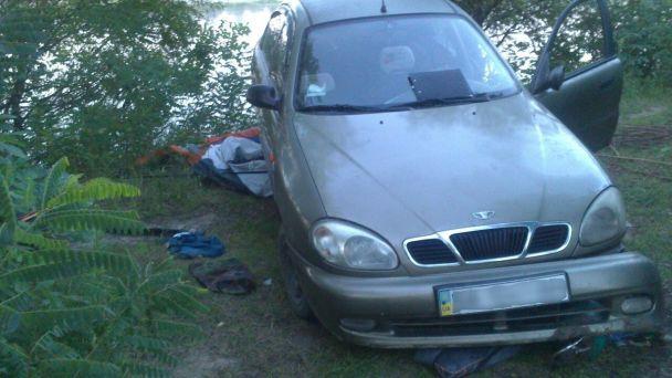 На Київщині авто скотилося з пагорба просто на намет із відпочивальниками, є загиблий