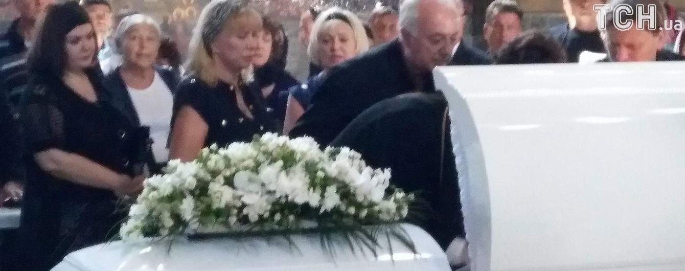 Похороны Ирины Бережной состоялись при повышенных мерах безопасности