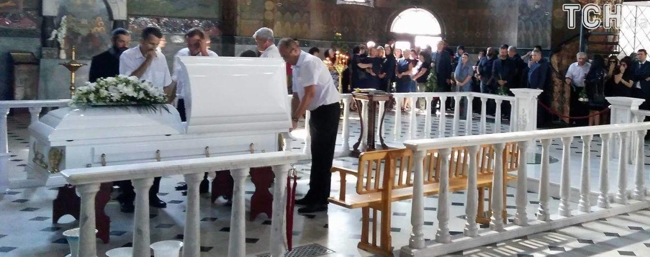 Екс-нардепа Бережну поховали на Звіринецькому цвинтарі