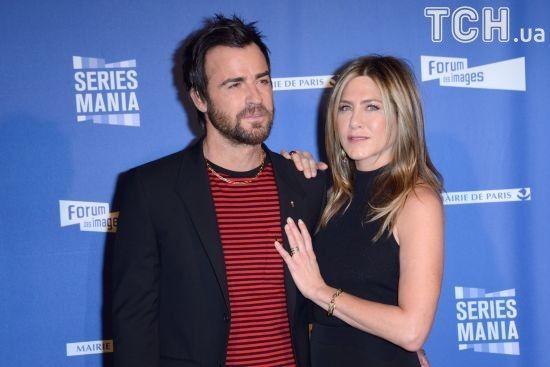 Процес розлучення Теру та Еністон зайшов у глухий кут - ЗМІ