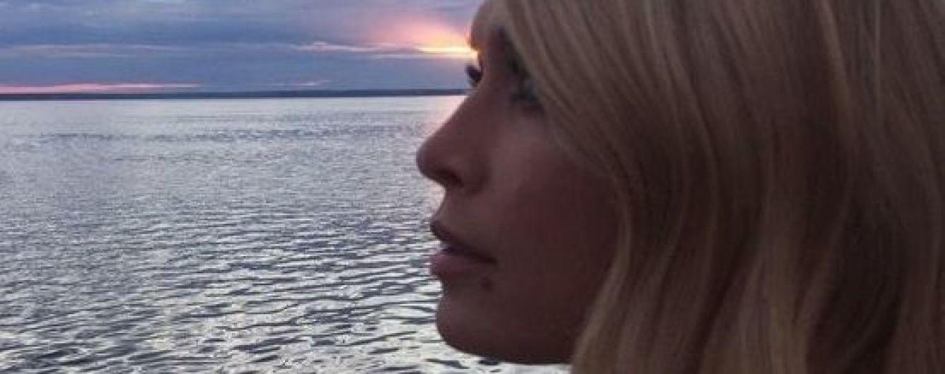 Звезды на отдыхе: Вера Брежнева поделилась пляжным фото