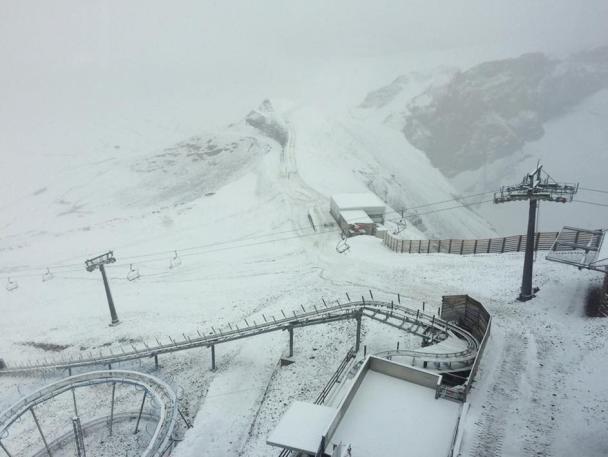 Назамену  жаре вШвейцарии пришли снегопады