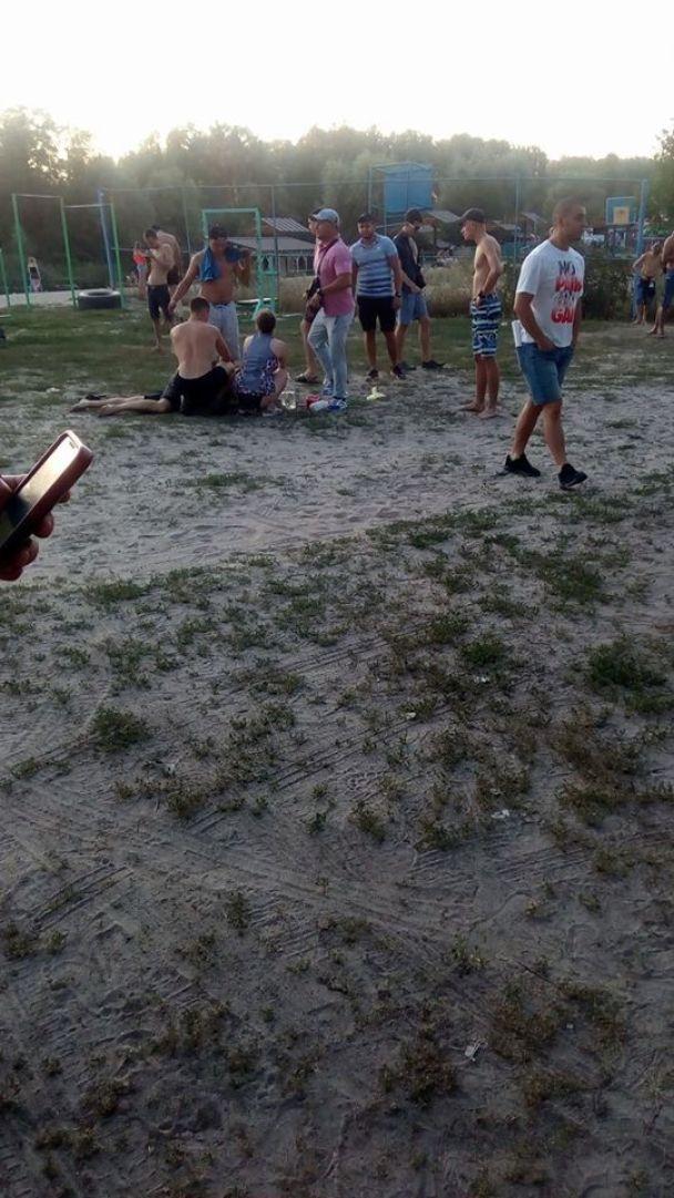 В Полтаве на пляже произошла стрельба: есть погибший, ранен ребенок, масса травмированных – соцсети