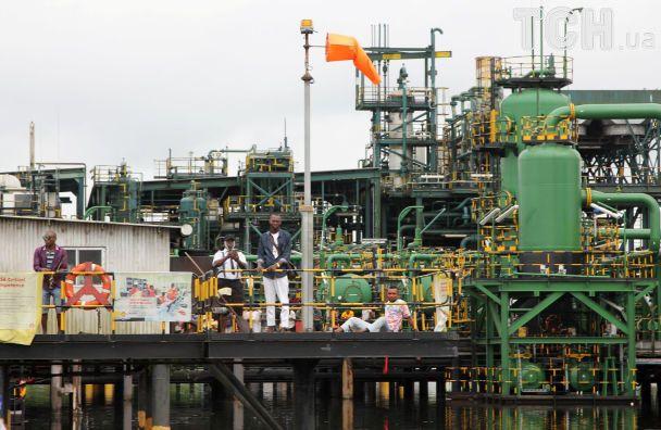 У Нігерії сотні протестувальників захопили завод Shell