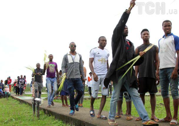 В Нигерии сотни протестующих захватили завод Shell