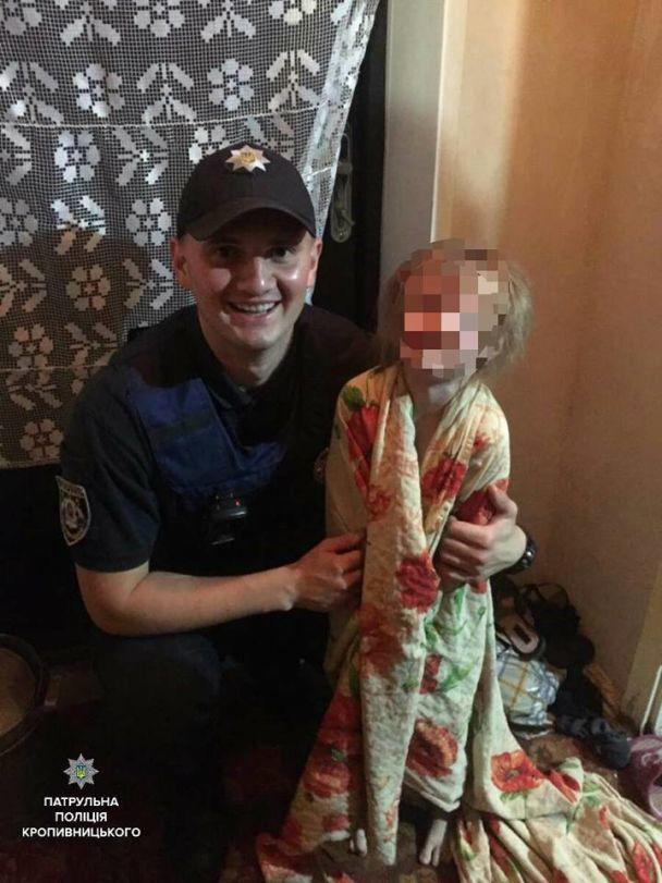 В Кропивницкому копы спасли 4-летнюю девочку, мать которой оставила ее надолго одну дома