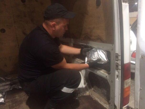 Українець намагався провезти через кордон доПольщі 27кг наркотиків