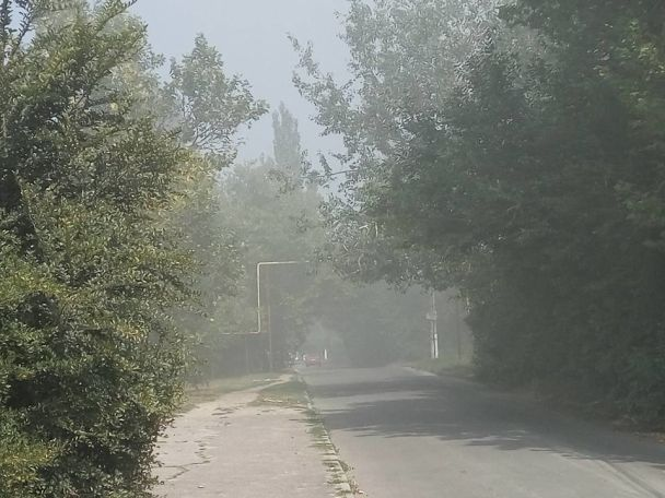 В Николаеве масштабно вспыхнул дом: спасателям больше часа не удается укротить пламя