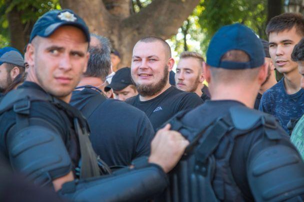 """В Одессе гомофобы не смогли побить участников """"Марша равенства"""", поэтому разбили стройплощадку"""