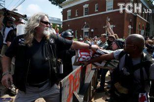 Трамп осудил Ку-Клукс-Клан и неонацистов, когда говорил о стычках в Вирджинии - Белый Дом