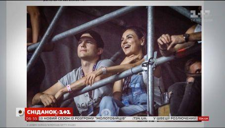 Эштон Кутчер и Мила Кунис провели вечер на концерте под открытым небом